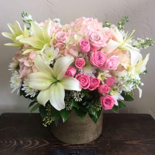 spray roses, lilies,hydrangeas