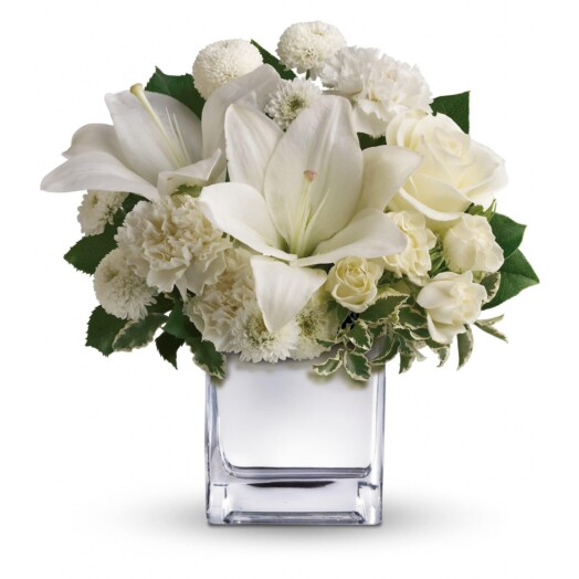 asiatic lilies and roses all white