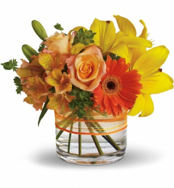 Yellow asiatic lilies, light orange roses