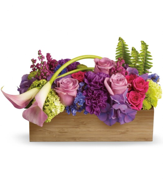 lavender hydrangea and roses, pink miniature callas