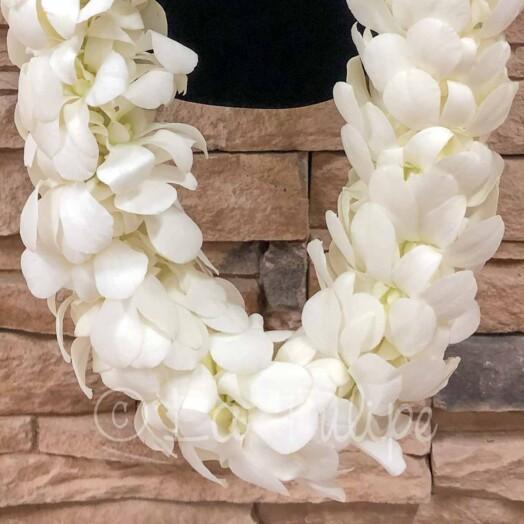 triple white dendrobium orchid hawaiian lei