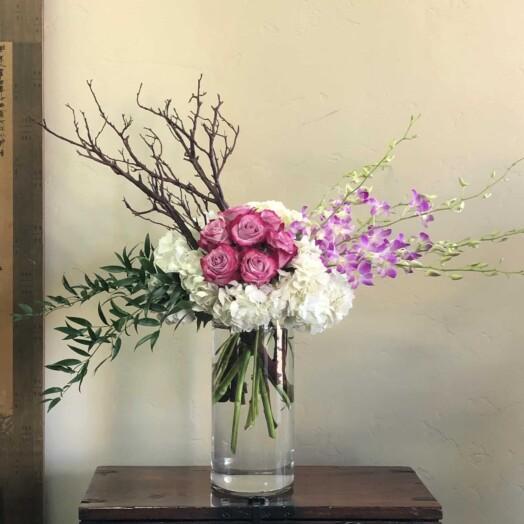Ecudorian roses and hydrangeas